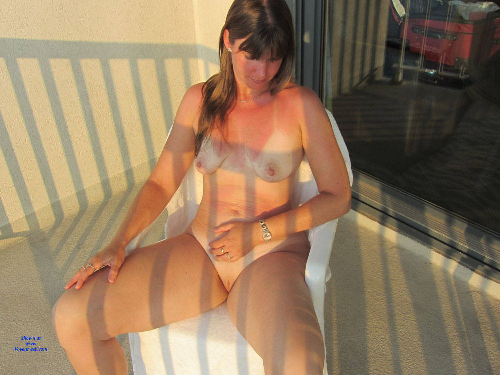 Pic #5 Sandra At AC From Hotel Balcony - Big Tits, Brunette