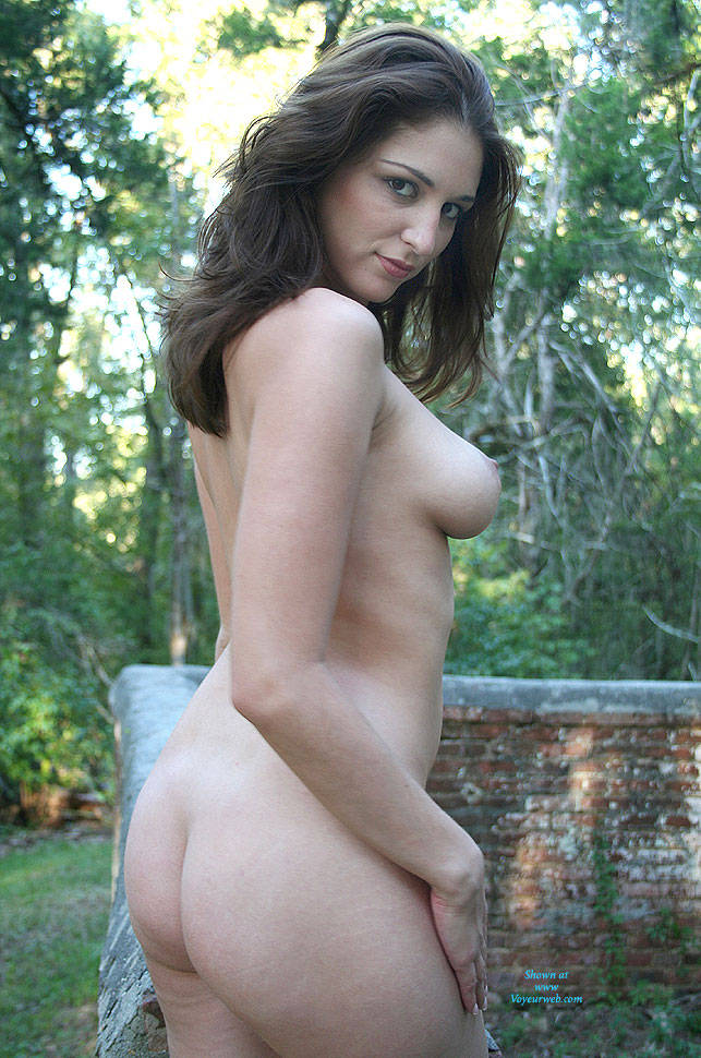 Nude Large Natural Breasts
