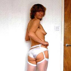 Annie A Long Time Friend - Redhead, Amateur, Medium Tits