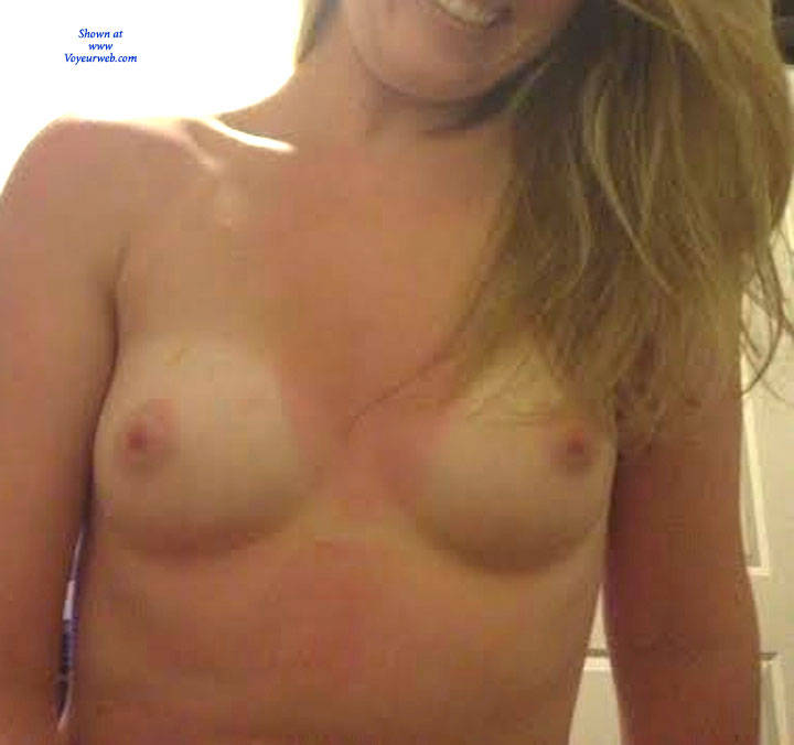 Pic #5 Small Perky Tits Around The House - Amateur, Medium Tits