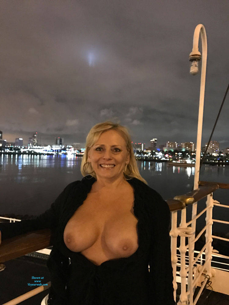 Pic #2 Queen Mary Party - Big Tits, Blonde, Public Exhibitionist, Flashing, Public Place