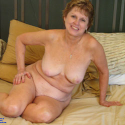 Sexy Wife - Big Tits, Wife/wives, Bush Or Hairy, Amateur