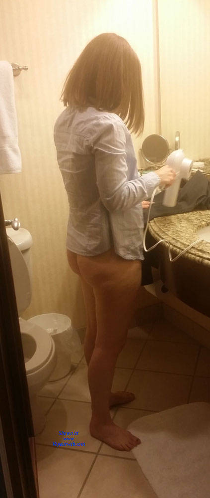 Pic #8 Shy MILF Naked In Bathroom  - Wife/wives, Amateur