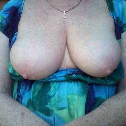Large tits of my girlfriend - Juicy