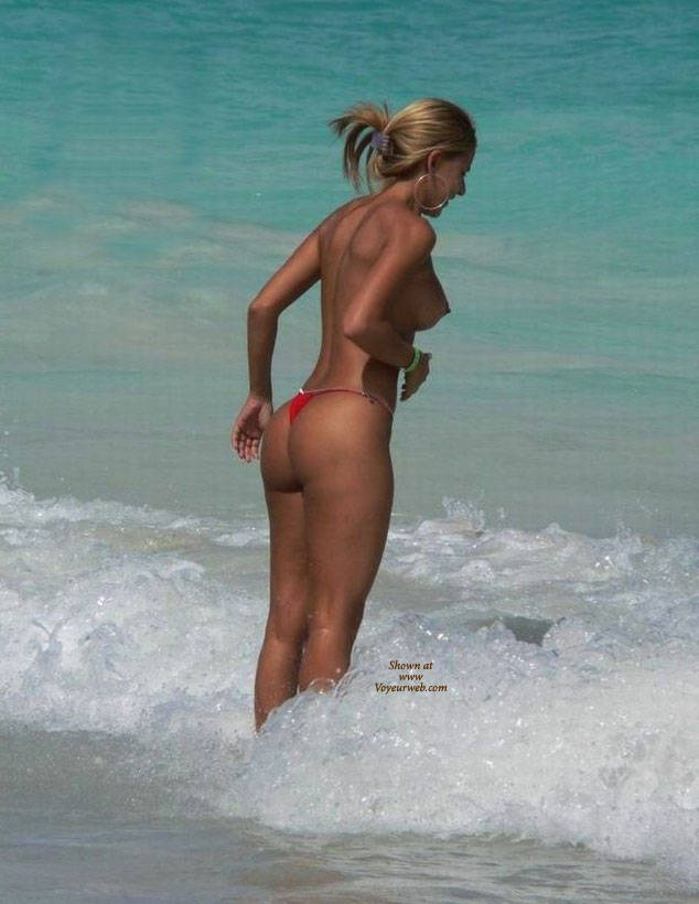 nude-beaches-in-punta-cana-south-american-girls