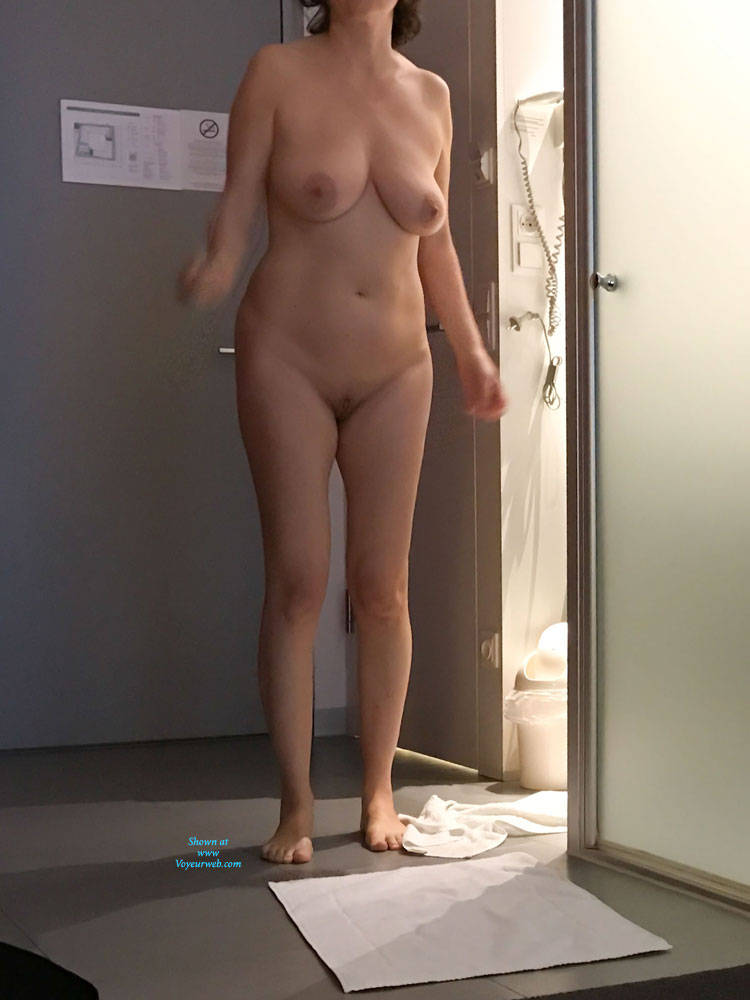 crazy-amateur-my-gran-naked