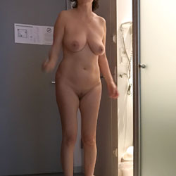 My Wife Naked Last Morning 1 - Big Tits, Wife/Wives, Amateur