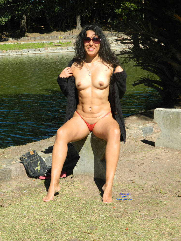 Nude Brunette In A Public City Park - January, 2017 -9534