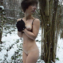 Sweet Cheeks Jane In The Snow - Outdoors, Wife/Wives, Nature, Amateur