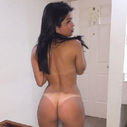 Ariana Returns To Voyeurweb - Brunette, Amateur, Firm Ass