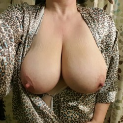 My very large tits - Gigi1