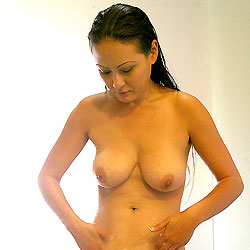 Shower Shaving - Big Tits, Brunette