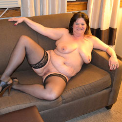 Strutting My Stuff - Nude Wives, BBW, Big Tits, Brunette, High Heels Amateurs, Lingerie, Amateur