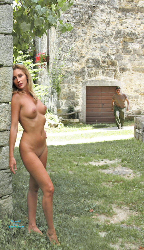 Pic #6 Croatia Holiday - Nude Girls, Big Tits, Public Exhibitionist, Flashing, Outdoors, Public Place