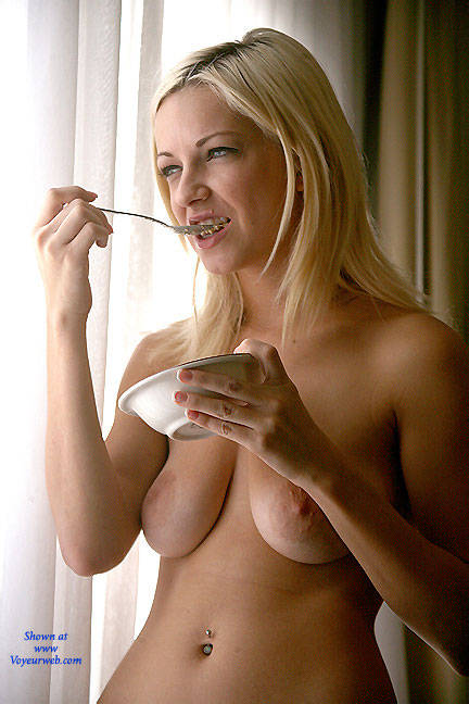 Pic #4 Oatmeal Window - Nude Girls, Big Tits, Blonde, Shaved