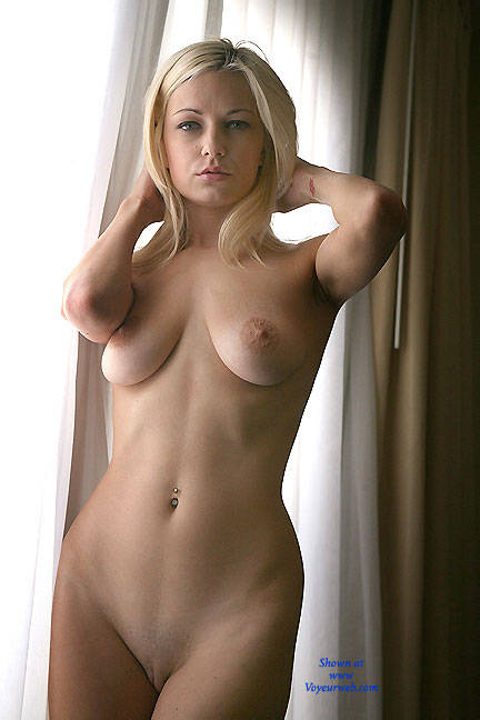 naked blonde amateur Sexy