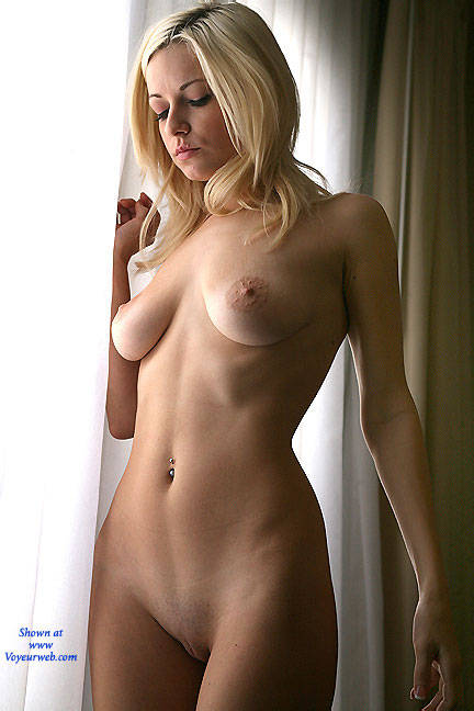Pic #8 Oatmeal Window - Nude Girls, Big Tits, Blonde, Shaved