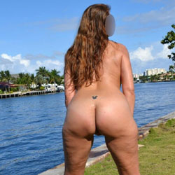 Ass In The Park - Nude Wives, Outdoors, Amateur
