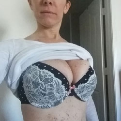 Freckled Breasts - Big Tits, Lingerie, Amateur