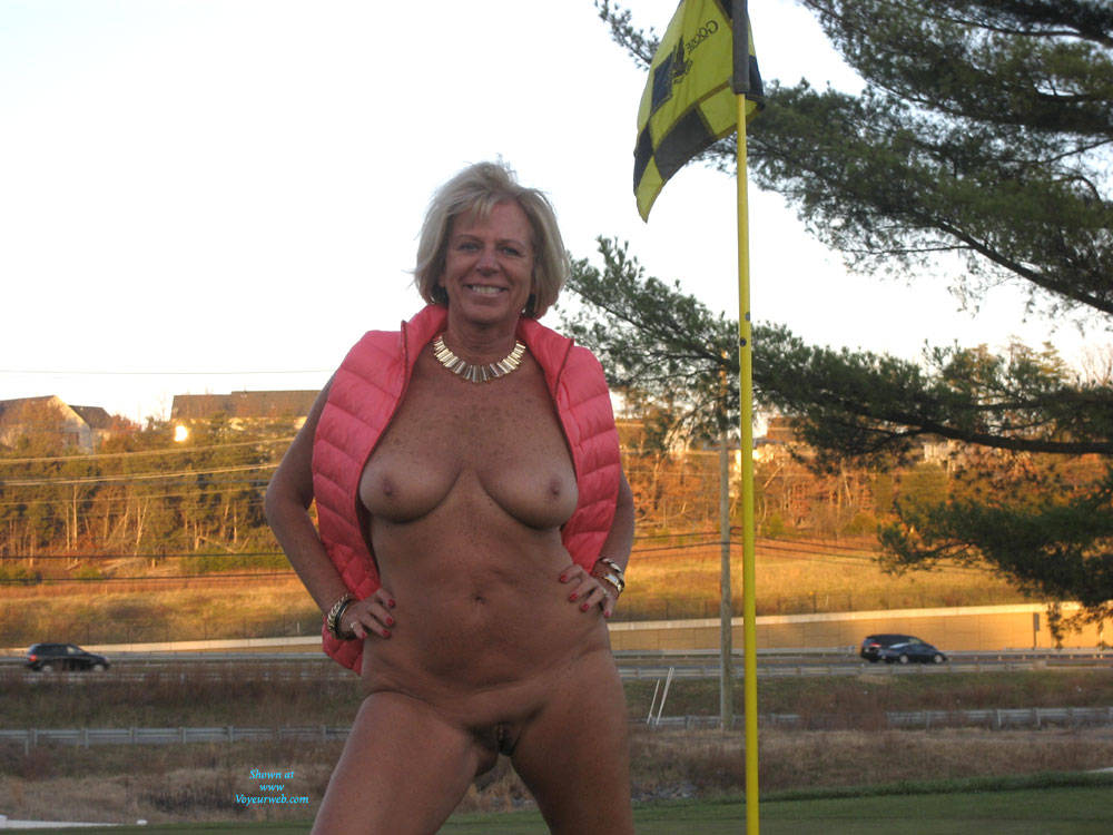 Amateur sex on the golf course