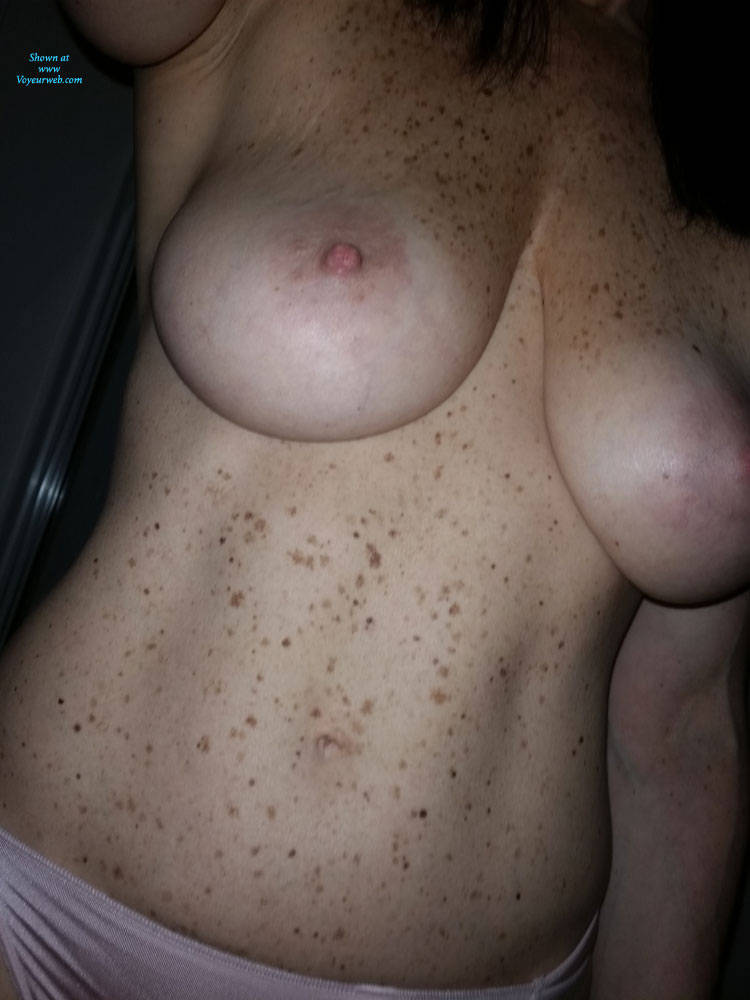 Pic #3 Pretty In Pink - Big Tits, Topless Amateurs