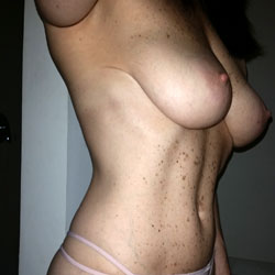 Pretty In Pink - Big Tits, Topless Amateurs