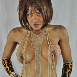 Raven Swallowz Valentine Treat - Big Tits, Blowjob, Cumshot, Ebony, Shaved, Nude Girls, Facials