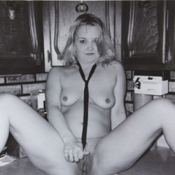 At The Cabin - Nude Amateurs, Wife/Wives, Shaved