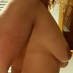 MILF - Big Tits, Shaved, Amateur