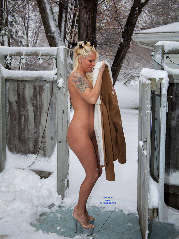 Hot blonds naked in the snow charming answer
