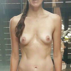 Taking A Shower - Nude Girls, Amateur