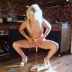 Coco Slut In Kitchen - Blonde, Toys, Shaved, High Heels Amateurs