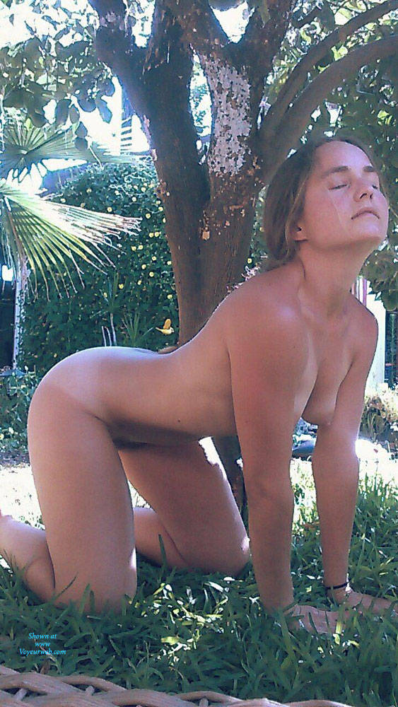 amateurs naked in their yard
