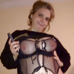 Spanish MILF Exposed - Nude Girls, Big Tits, Wife/Wives, Amateur