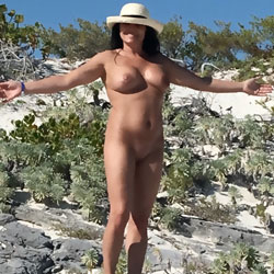 Cougar - Nude Girls, Beach, Big Tits, Brunette, Outdoors, Shaved, GF
