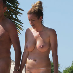 Big And Juicy - Nude Girls, Big Tits, Outdoors, Shaved, Beach Voyeur