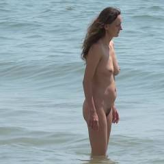 Beach Beauties In Full HD - Nude Girls, Big Tits, Brunette, Outdoors, Shaved, Bush Or Hairy, Firm Ass, Beach Voyeur