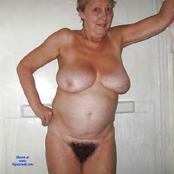 amateur mature nude bush
