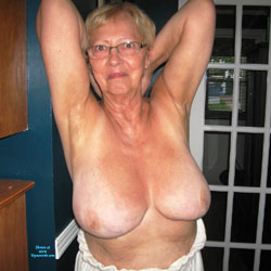 Belle - Nude Girls, Big Tits, Mature, Bush Or Hairy