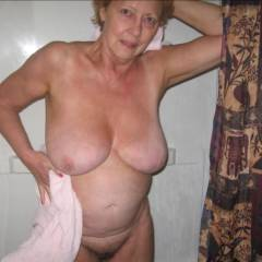 Mes Gros Seins - Nude Amateurs, Big Tits, Mature, Bush Or Hairy