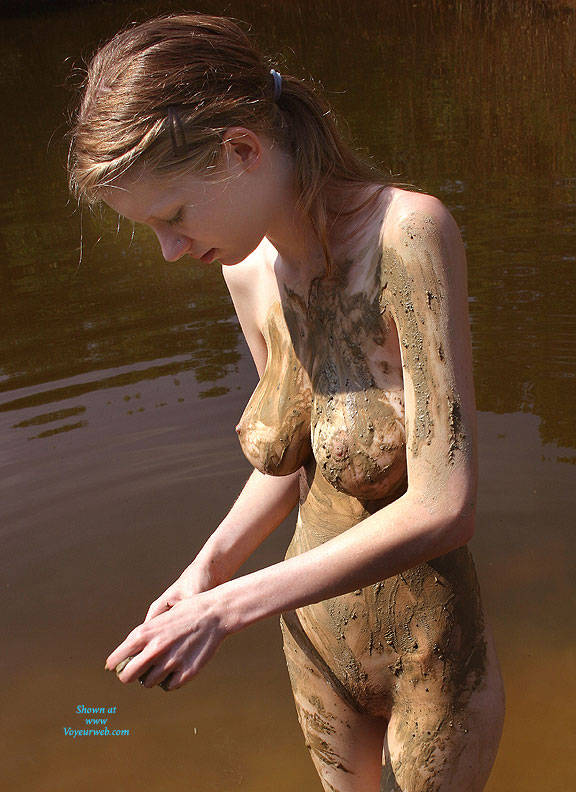 Share Nude girl in pond final