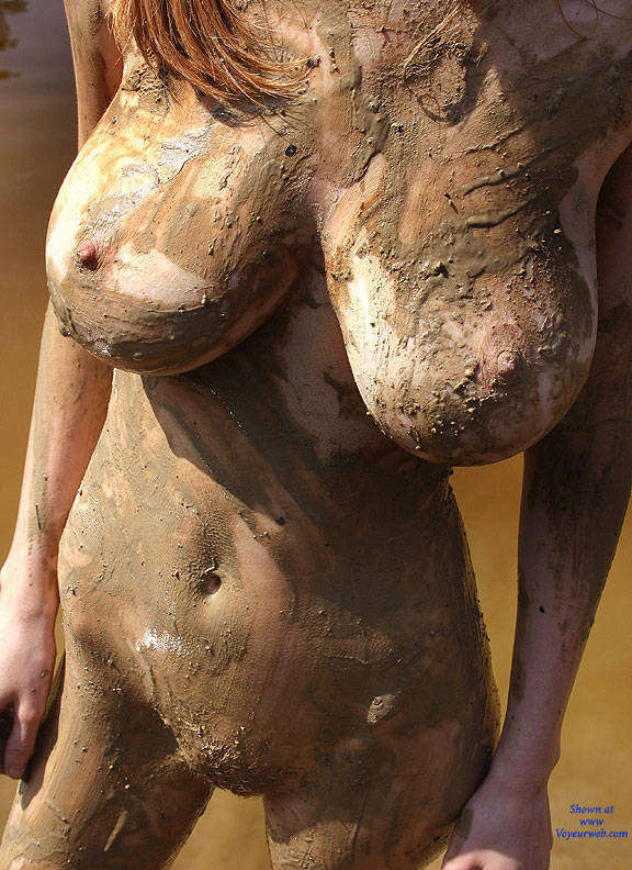 hot women in tits in mud