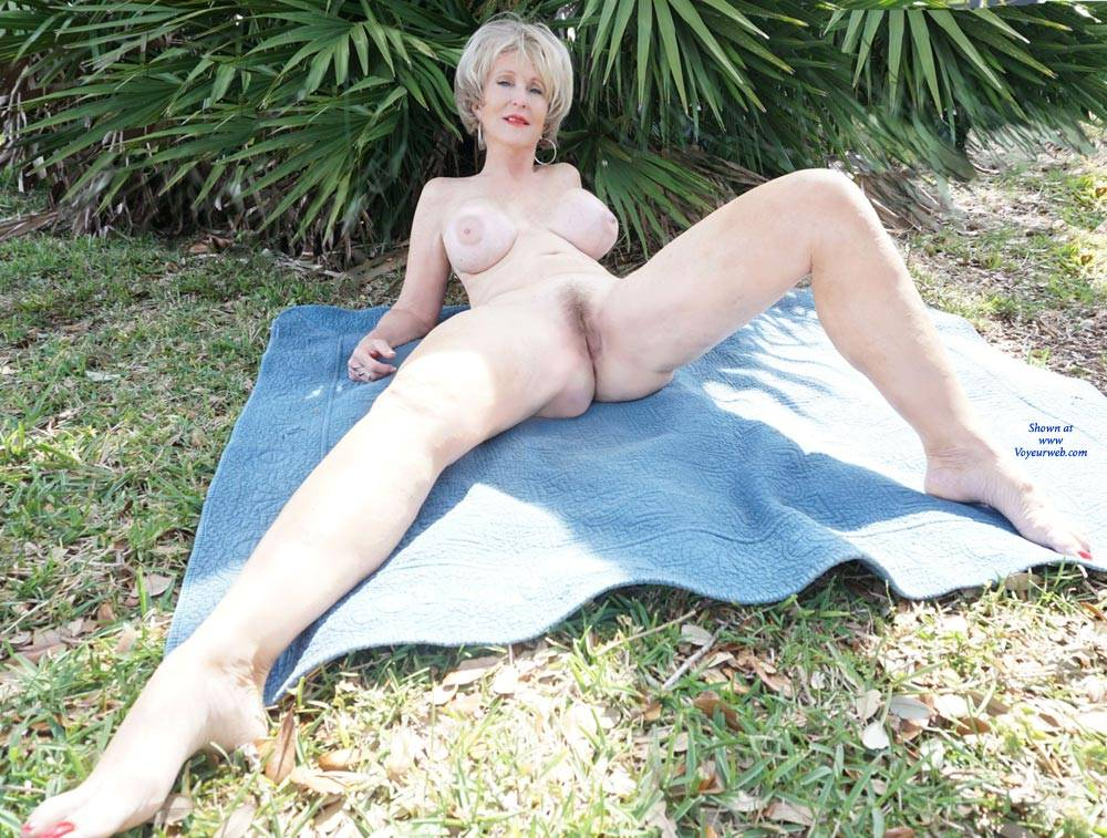 girls nude in the woods