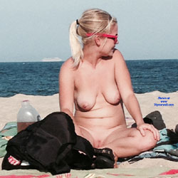 Blonde On The Beach In NJ - Nude Girls, Big Tits, Blonde, Outdoors, Beach Voyeur