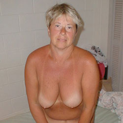 Debbie Shows It All - Nude Wives, Big Tits, Mature, Bush Or Hairy