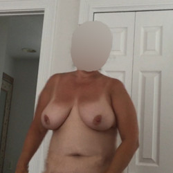My medium tits - Ms Swinger
