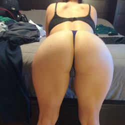 Booty On A Beauty - Lingerie, Amateur