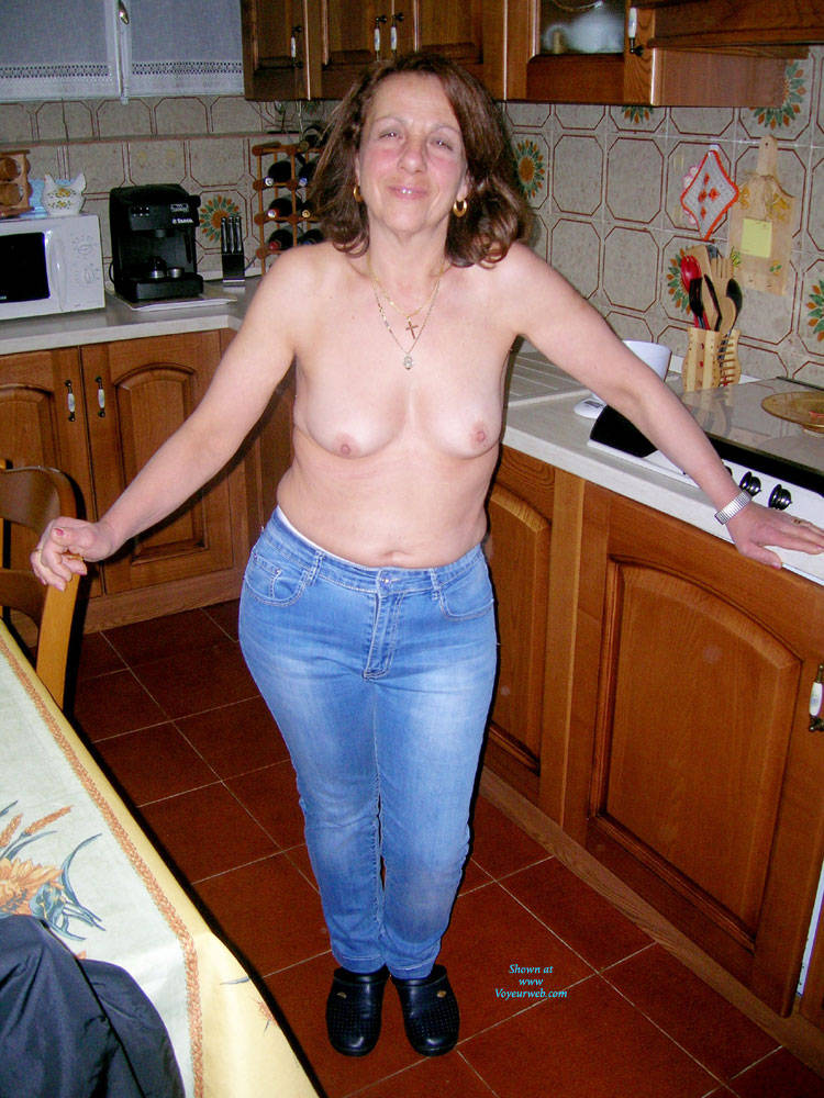 Hairy Nude Wives 89
