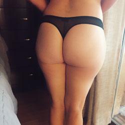 Bubble Butt - Lingerie, Amateur