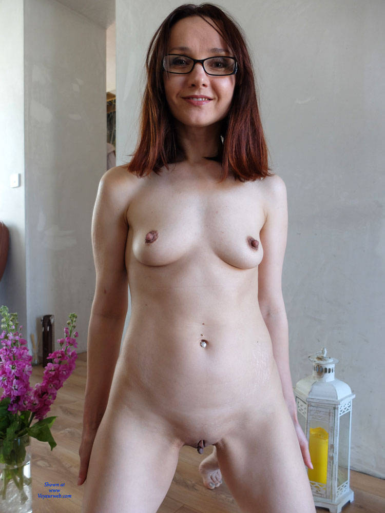 Pic #6 Wearing Only Erotic Aroma - Nude Girls, Redhead, Shaved, Amateur, Firm Ass